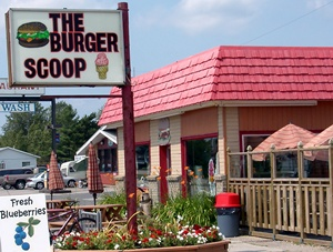 The Burger Scoop, Ignace, Ontario